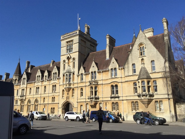 Year 7 students visit Oxford University